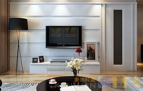 电视机挂墙上好还是放电视柜上好?看完回家我立马改!