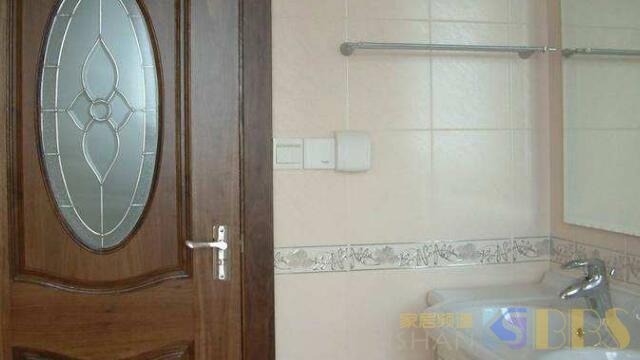 卫生家的门可别这样安装,多少人装完肠子都悔青了。