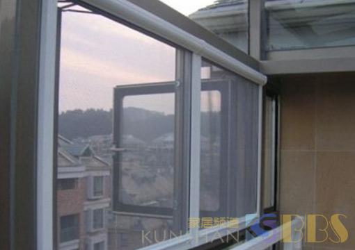 家里别装传统纱窗了,夏季蚊子飞满屋,装这种的更实用!